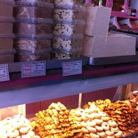 8/16/2013 tarihinde Betul K.ziyaretçi tarafından Macit Pasta & Cafe'de çekilen fotoğraf