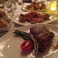 Foto tomada en McCormick & Schmick's Seafood and Steaks por Hirohide A. el 5/4/2013