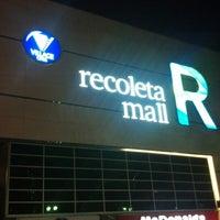 Foto tirada no(a) Recoleta Mall por Santiago M. em 12/8/2012