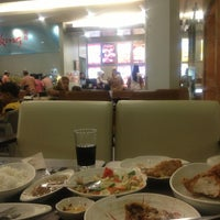 Photo taken at Chowking Gaisano Mall by Jun Clive Y. on 1/29/2013