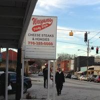 Foto diambil di Weeyums Philly Style oleh George J. pada 1/19/2013