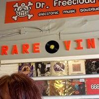 Photo taken at Dr. Freecloud's Record Shoppe by Lana E. on 3/19/2016