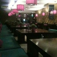 Foto scattata a Caracas Lebanese Cuisine & Cafe da Sherin A. il 10/5/2012