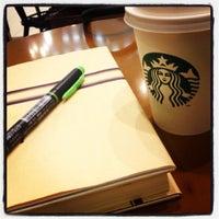 Photo taken at Starbucks by たいちょう on 5/27/2013