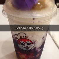Photo taken at Jollibee by Paul L. on 3/31/2014