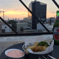 Foto tirada no(a) BART - Bar at The Rooftop por Tengku A. em 1/22/2016