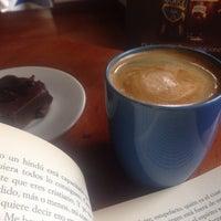 Foto tomada en El Cubo Cafe por Lola D. el 6/9/2015