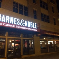 Photo taken at Barnes & Noble by Jonathan H. on 8/21/2014