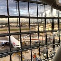 11/5/2013 tarihinde sv H.ziyaretçi tarafından Londra Heathrow Havalimanı (LHR)'de çekilen fotoğraf
