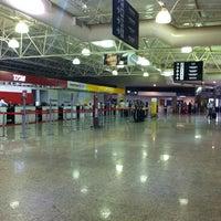 Photo taken at Aeroporto de Ribeirão Preto / Doutor Leite Lopes (RAO) by Daiana T. on 1/15/2013