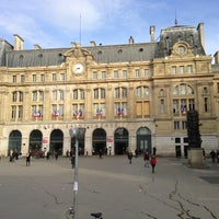 Photo taken at Arrêt Gare Saint-Lazare [20,21,22,24,26,27,28,29,32,53,66,80,94] by พรชัย ส. on 3/5/2013