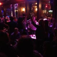 Foto tomada en Splendor Bar por Mehmet Ö. el 11/3/2012