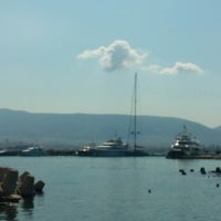Photo taken at Ναυταθλητικός Όμιλος Δελφιναρίου by George G. on 6/21/2014
