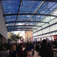 Photo taken at Apple Palo Alto by Justin S. on 10/27/2012