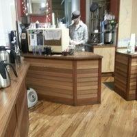 1/9/2013 tarihinde Michael T.ziyaretçi tarafından Oslo Coffee Roasters'de çekilen fotoğraf