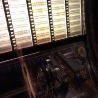 Das Foto wurde bei Bradley's Spanish Bar von MC V V. am 1/13/2013 aufgenommen