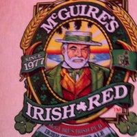Das Foto wurde bei McGuire's Irish Pub von Kita R. am 4/13/2013 aufgenommen