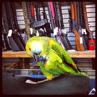 Foto diambil di Fine Firearms of La Mesa oleh Tee P. pada 10/15/2012