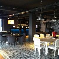 1/5/2013 tarihinde Serkan T.ziyaretçi tarafından Mint Restaurant & Bar'de çekilen fotoğraf