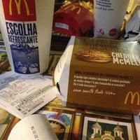 Foto tirada no(a) McDonald's por Cássio C. em 1/14/2013