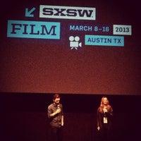Das Foto wurde bei Stateside Theatre @ the Paramount von bobb x h. am 3/9/2013 aufgenommen