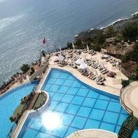 รูปภาพถ่ายที่ Utopia World Hotel โดย Hacı Cengiz เมื่อ 4/20/2013