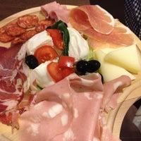 Foto scattata a Caffe GianMario da Mario I. il 1/26/2012