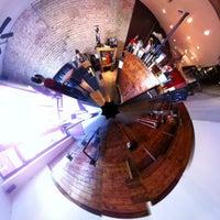 Photo prise au Caffé Medici par Brady S. le3/5/2011