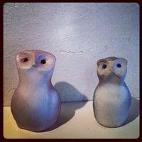 Foto tomada en Hodgepodge Coffeehouse and Gallery por Amanda H. el 1/27/2012