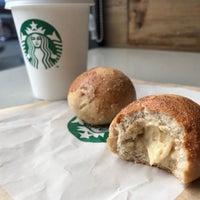 Foto tomada en Starbucks por Igor L. el 2/8/2018