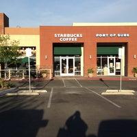 Foto tirada no(a) Starbucks por Bonnie B. em 3/25/2013