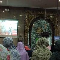 Photo taken at Masjid Agung Sunda Kelapa by Nila R. on 4/22/2017