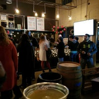 Foto tirada no(a) Bishop Cider Co. Cidercade por Jeffrey P. em 12/10/2017