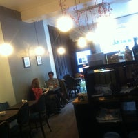 Photo taken at Bea's of Bloomsbury by Peter J. on 1/4/2013