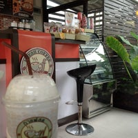 Photo taken at Caffe De Amm by อาคม ค. on 7/29/2013