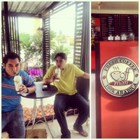 Photo taken at Caffe De Amm by อาคม ค. on 8/4/2013