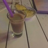 8/27/2016 tarihinde Feyza E.ziyaretçi tarafından Mymoon Cafe & Bar'de çekilen fotoğraf