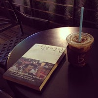 Photo taken at Caffé bene by Janghoon K. on 5/7/2013