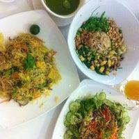 Photo taken at Ecogreen Organic Shop & Life Cafe by Noriko T. on 2/24/2014