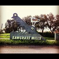 Foto tomada en Sawgrass Mills por Arthur J. el 10/24/2012