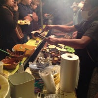 Foto tirada no(a) Tacuqui Tacos por Chawiss S. em 11/29/2012