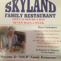 Foto scattata a Skyland Restauraunt da That Guy il 7/17/2016