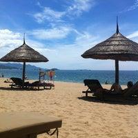 Photo taken at Sheraton Beach by Trinh N. on 7/24/2013