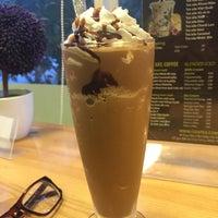 Photo taken at La Vita Coffee by Vy C. on 8/15/2015