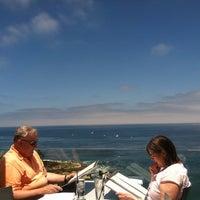 6/25/2011 tarihinde Jake H.ziyaretçi tarafından George's at The Cove'de çekilen fotoğraf
