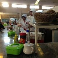Foto tomada en Mercado Nuevo por Roberto C. el 5/26/2013