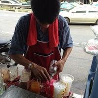 Photo taken at เหยิน coffee shop by Jingjo on 4/5/2013