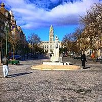 Foto tirada no(a) Avenida dos Aliados por Mário O. em 2/22/2013