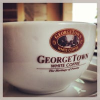 Photo taken at Georgetown White Coffee by Rizan S. on 12/18/2012