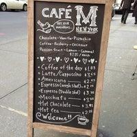Foto tomada en Cafe M por Liz L. el 10/13/2012